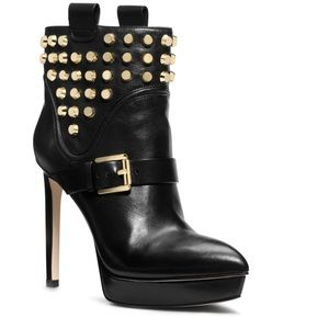 SOLD** MK BRYN Ankle boots w/Gold Studs 6.5